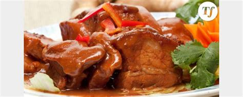 comment cuisiner les joues de porc sauté de joues de porc roussi aux cinq épices des caraïbes