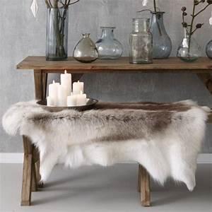 une deco au poil billie blanket With maison du monde canapé convertible avec tapis peau de mouton
