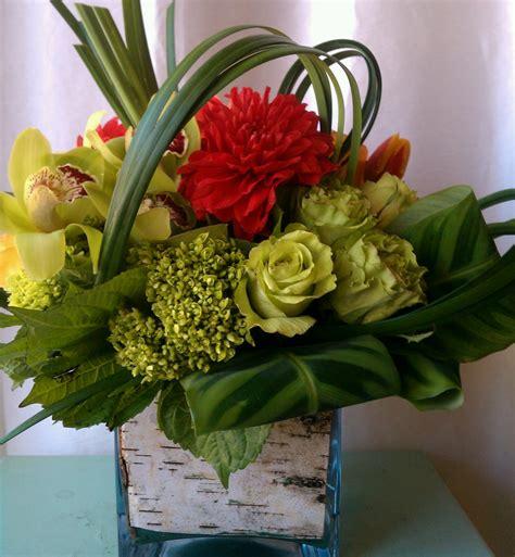 flower arrangement designs flower arrangements on pinterest flower arrangements daisy centerp