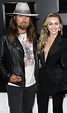 Miley Cyrus Trolls Dad Billy Ray Cyrus for Blurry ...
