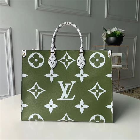 louis vuitton monogram canvas onthego creme