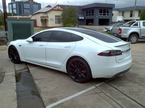 Get Tesla 33000 Cars 2014 Gif