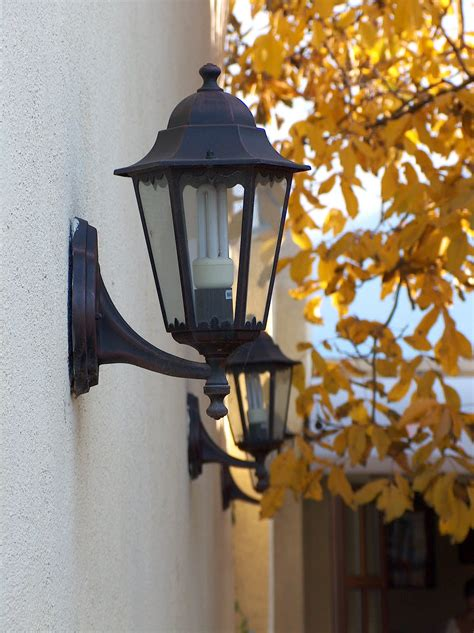 fashioned outdoor lights  ways  give  feel