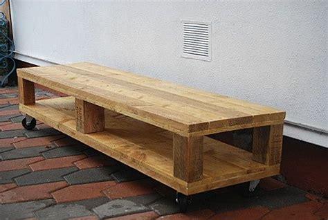 realiser des meubles avec des palettes fabriquer meuble tv palette meuble tv en palettes diy meubles