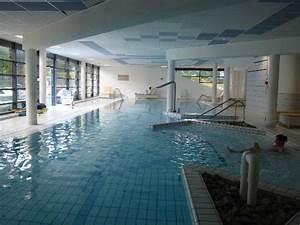 Forges Les Eaux Spa : salle de fitness avec aussi des tapis de marche photo de forges hotel forges les eaux ~ Nature-et-papiers.com Idées de Décoration