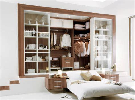 dressing dans la chambre déco chambre armoire ou dressing à vous de choisir