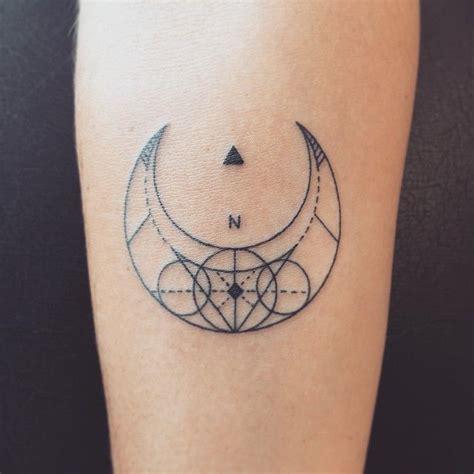 crescent moon tattoos ideas  pinterest moon tattoos moon tattoo designs
