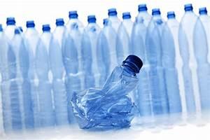 Bouteille En Plastique Vide : comment compresser rapidement les bouteilles en plastique ~ Dallasstarsshop.com Idées de Décoration