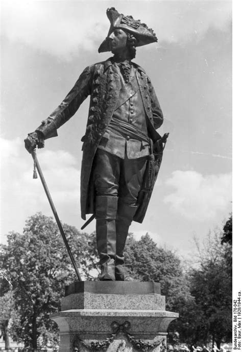 Denkmal Friedrichs II. in Potsdam - Abgeschlossene