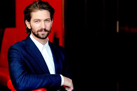 michiel huisman wallpapers images  pictures backgrounds