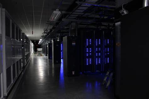 facebook loads  innovative cold storage datacenter