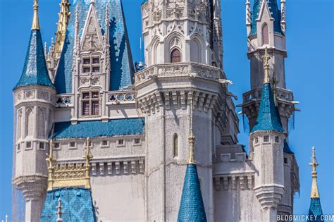 cinderella castle dreamlights installation