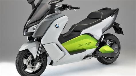 Bmw Scooter by Bmw Shows 75 Mph Electric Scooter Roadshow