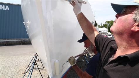 Applying Bottom Paint New Boat by How To Easily Roll And Tip Topside Paint On Your Boat