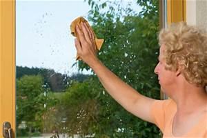 Selbstklebende Folie Richtig Anbringen : fensterfolie zur w rmed mmung so bringen sie sie an ~ Orissabook.com Haus und Dekorationen