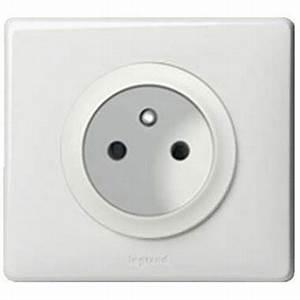 Goulotte Electrique Avec Prise : prise de courant legrand c liane 2p t complet blanc ~ Mglfilm.com Idées de Décoration