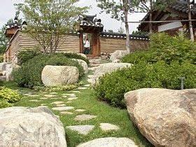 Gartengestaltung Böschung Gestalten : kontrastwirkungen gartengestaltung mit pfiff spannende design ideen hilly ground pinterest ~ Markanthonyermac.com Haus und Dekorationen