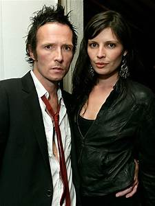 Scott Weiland's Ex Takes Legal Action to be Named Executor ...