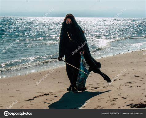 sinai egypt october  view arabian woman dress burka