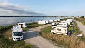 Les Camping Car : aire de service et de stationnement les sables blancs en baie de quiberon office du tourisme ~ Medecine-chirurgie-esthetiques.com Avis de Voitures