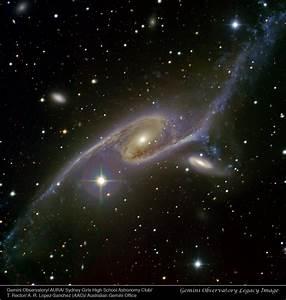 APOD: 2011 April 3 - Giant Galaxy NGC 6872
