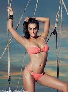 Fab Flash: Elizabeth Hurley on Photo Retouching and Her ...