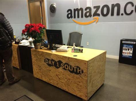 bureau en osb osb reception desk instore réceptions