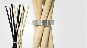 Garderobenständer Weiß Holz : puristischer garderobenst nder aus holz coat von addinterior ~ Markanthonyermac.com Haus und Dekorationen