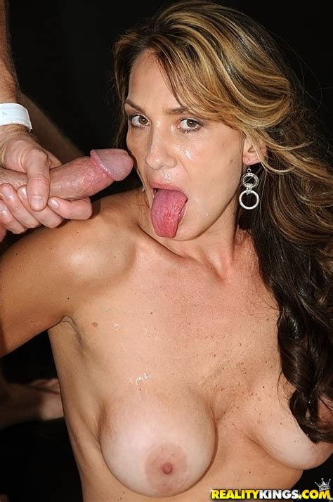 Tight And Slutty Mature Woman Screwed And Cummed Photos