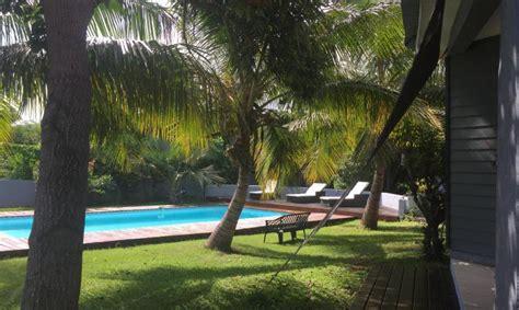 gite et chambre d hote a vendre réunion maison chambres d hôtes piscine vue