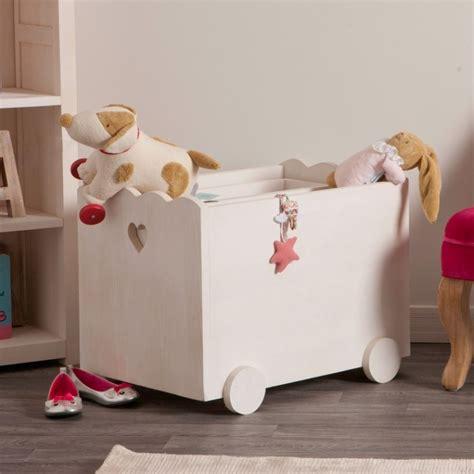 couleurs cuisine coffret à jouets en bois blanchi de chez couleurs des