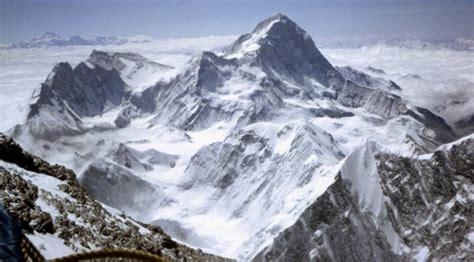 Photographs Of Mount Makalu, Chomo Lonzo And Kangchungtse