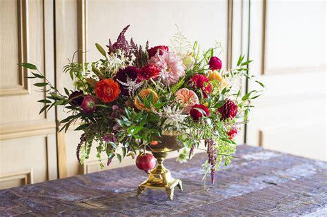 15 Christmas Flower Arrangements - Winter Holiday Flower