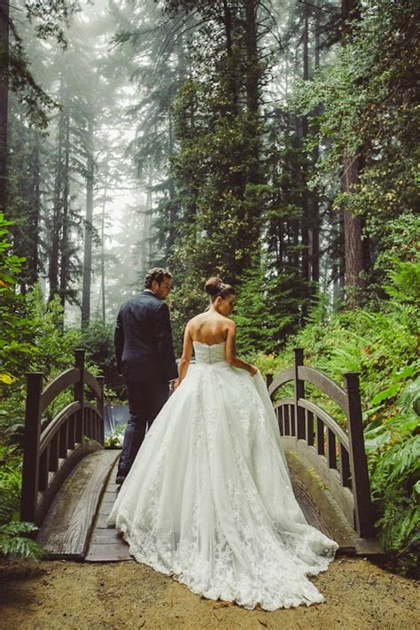 20 Enchanting Wedding Photo Ideas For Woodland Brides