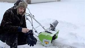 Greenworks 12 Amp Electric Snow Blower  Review    Operation