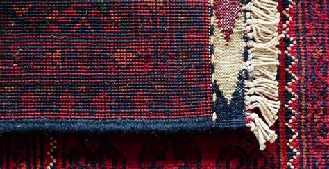 pulire tappeti in casa come pulire i tappeti in casa in modo naturale e fai da te