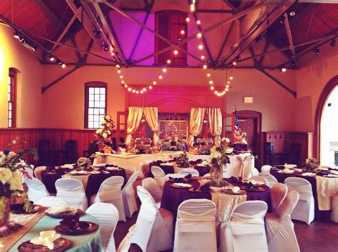 rustic vintage wedding at the freight shed in yorktown