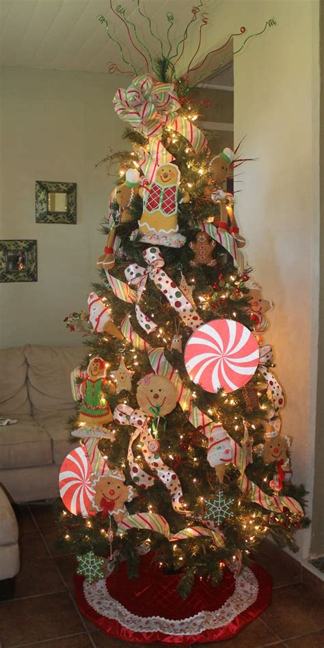 gingerbread decorated tree gingerbread tree gingerbread of all sorts and