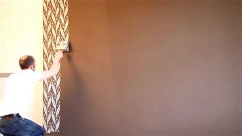 Muster Wand Streichen by Wand Streichen Bunt Im Chevron Muster Diy Eule