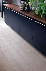 revetement cuisine carrelage vinyle stratifie ces With sol vinyle pour cuisine