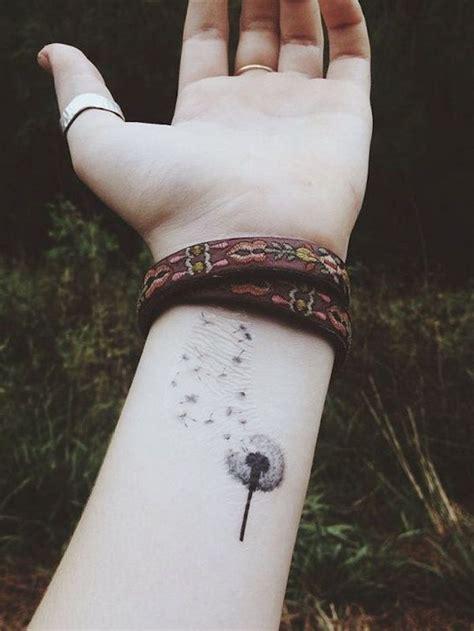 1001+ Idées  Tatouage Pissenlit  Un Tattoo Dans Le Vent