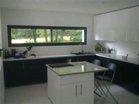 hauteur fenetre cuisine fenêtre panoramique cuisine fenêtres cuisine