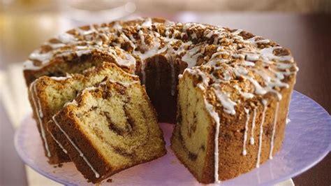 classic sour cream coffee cake recipe  betty crocker