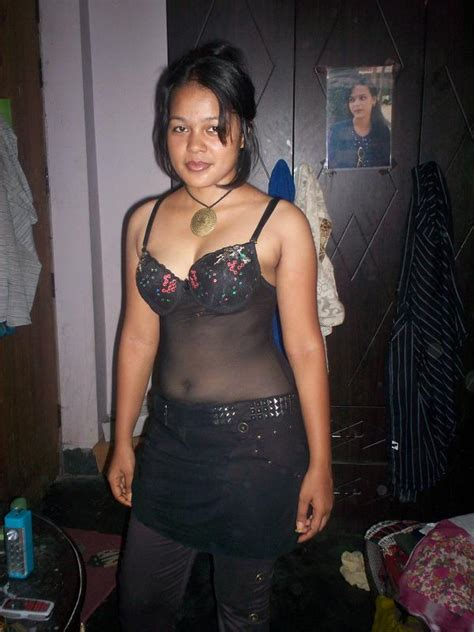 Nepali Saree Stripping Xxx Photo Sexy Housewife In Blouse Petticoat