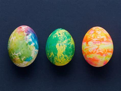 fun easter egg decorating ideas video todays parent