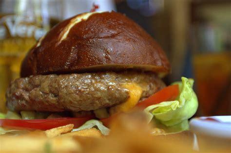 stadium burger de veres irish pub sacramento ca