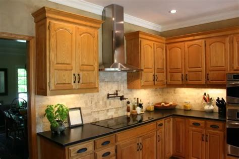 honey oak kitchen cabinets wall color granite with oak what color light or kitchens 8420