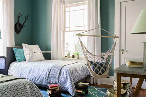 Reclaimed wood and organic branches give this unique bed canopy masculine appeal, and rustic colors and fabrics add the perfect woodsy touch. 25+ Girl Shared Bedroom Designs | Bedroom Designs | Design ...
