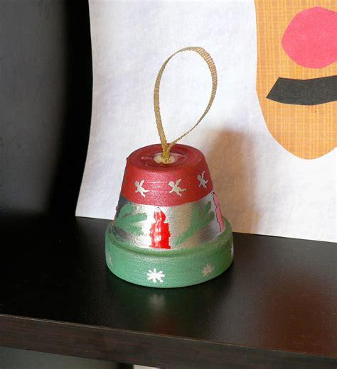 Mama Pea Pod {preschool Christmas Crafts}