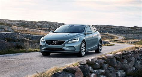 volvo vehicle locator 2017 volvo v40 and v40 cross country facelift revealed
